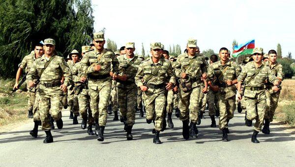 Соревнования по марш-броску в воинских объединениях Азербайджанской Армии - Sputnik Азербайджан