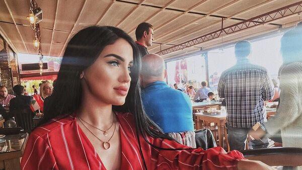 Молодая азербайджанская певица Наз Джавадова - Sputnik Азербайджан