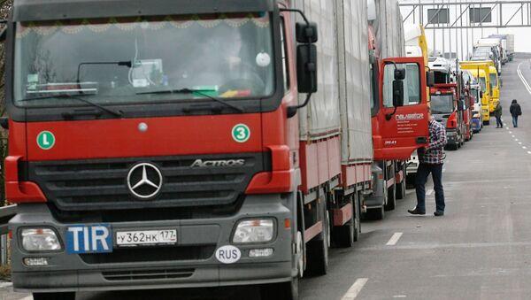 Очереди из грузовиков перед таможней, фото из архива - Sputnik Азербайджан