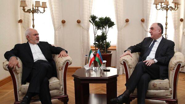 Министр иностранных дел Азербайджана Эльмар Мамедъяров встретился в Стамбуле с министром иностранных дел Ирана Мохаммадом Джавадом Зарифом - Sputnik Азербайджан