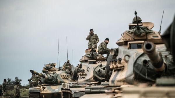 Türkiyə silahlı qüvvələrinin tank qoşunları. Arxiv şəkli - Sputnik Azərbaycan