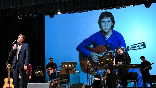 Концерт посвященный 80-летнему юбилею Владимира Высоцкого - Sputnik Азербайджан
