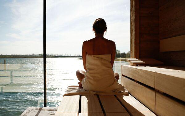 Вид на озеро из спа-зоны — бесплатный сеанс медитации - Sputnik Азербайджан