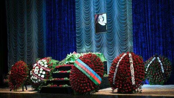 Церемония прощания с Амалией Панаховой - Sputnik Азербайджан