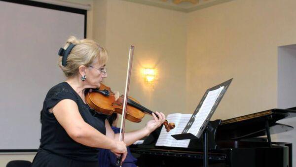 Авторский концерт народного артиста Азербайджана, профессора Тофика Бакиханова - Sputnik Азербайджан