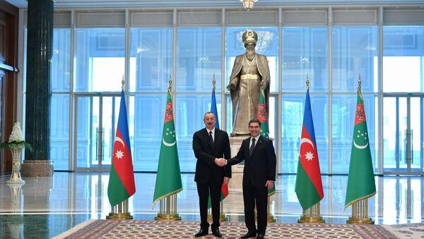 В Ашхабаде состоялась церемония официальной встречи Президента Ильхама Алиева - Sputnik Азербайджан