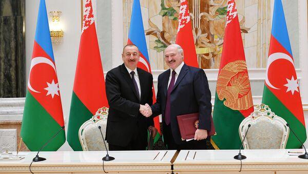 Azərbaycan Prezidenti İlham Əliyev və Belarus Prezidenti Aleksandr Lukaşenko  - Sputnik Azərbaycan