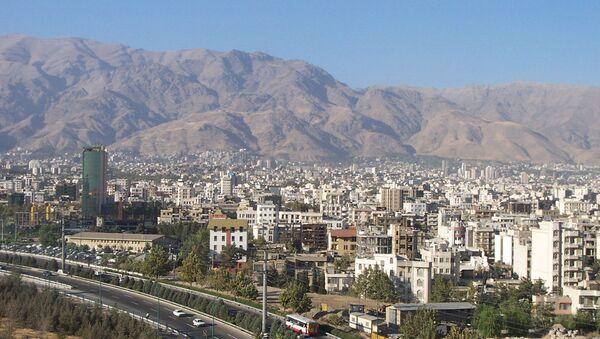 Вид на вечерний Тегеран, фото из архива - Sputnik Azərbaycan
