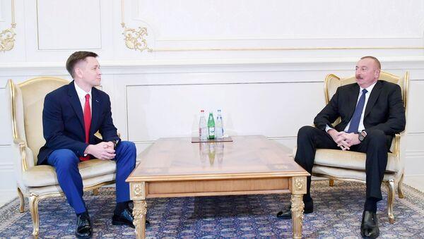 Ильхам Алиев принял министра цифрового развития, связи и массовых коммуникаций России - Sputnik Азербайджан