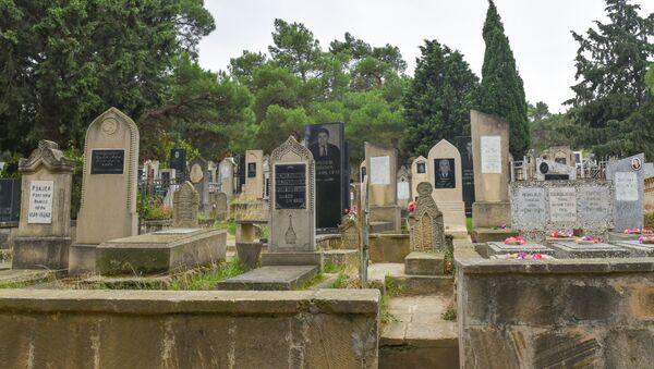Сельское кладбище в Азербайджане. Архивное фото - Sputnik Азербайджан