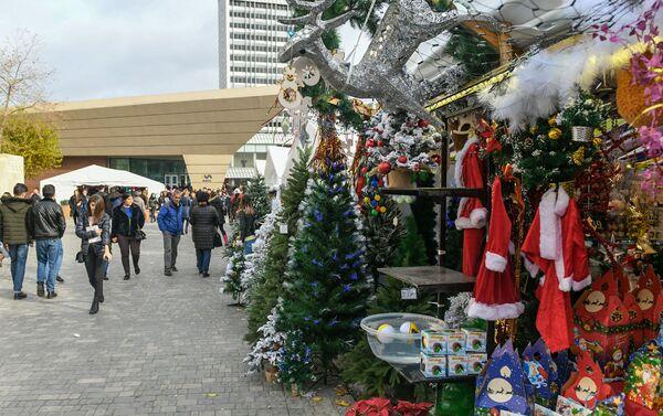 Новогодняя ярмарка в Баку - Sputnik Азербайджан