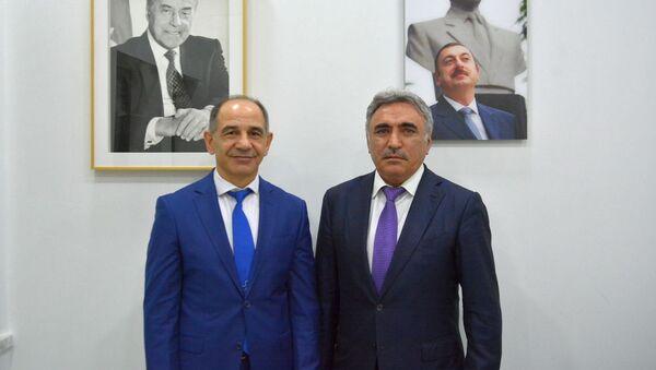 Azərbaycan Milli Karate Federasiyasının prezidenti Yaşar Bəşirov və türk mütəxəssis Bahəttin Kandaz - Sputnik Azərbaycan
