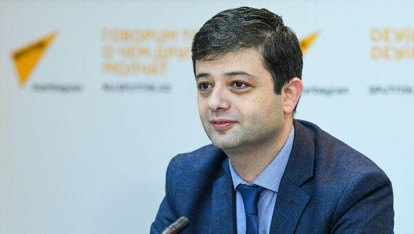 Вугар Зифероглу, декан факультета журналистики БГУ - Sputnik Azərbaycan