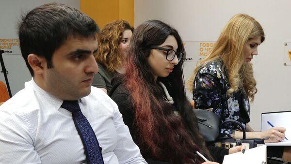 Дипломат анонсировал проведение АРМИ-2019 в Азербайджане - Sputnik Азербайджан