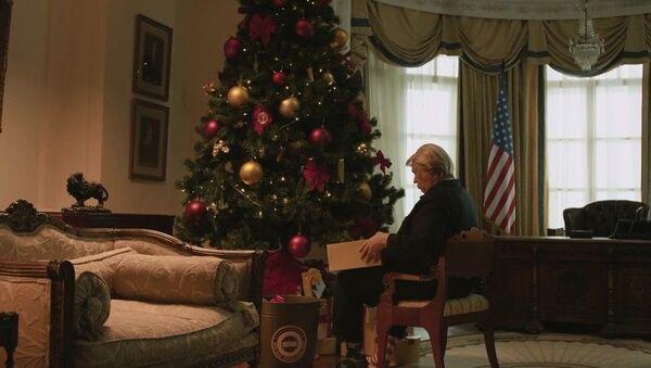 Что RT подарил Трампу на Рождество - Sputnik Азербайджан