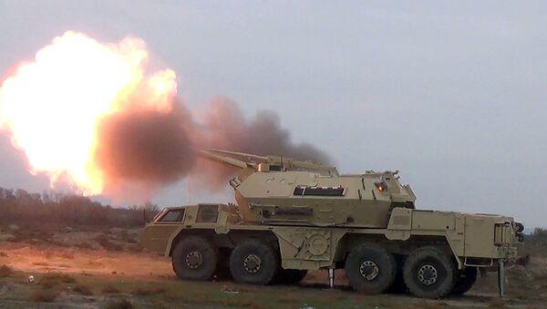 Проведены практические стрельбы из самоходных артиллерийских установок DANA - Sputnik Азербайджан