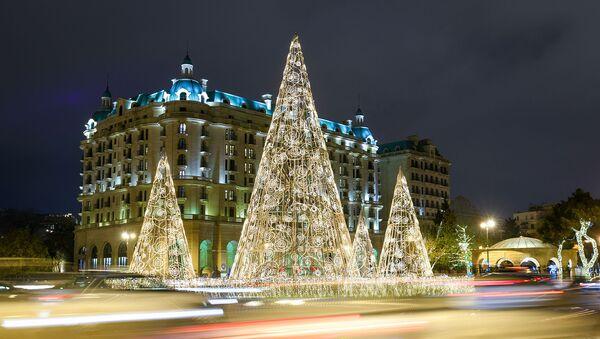 Новогодняя иллюминация на улицах Баку - Sputnik Азербайджан