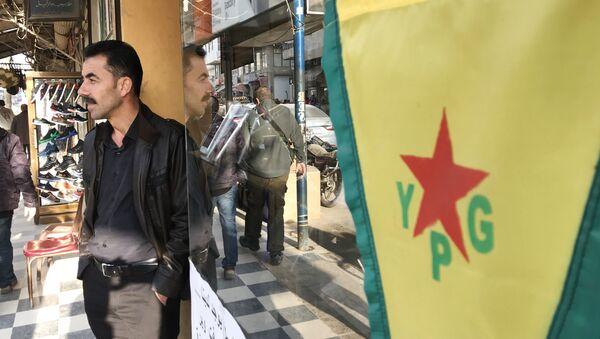 YPG terror təşkilatının Afrində dalğalanan bayrağı - Sputnik Azərbaycan