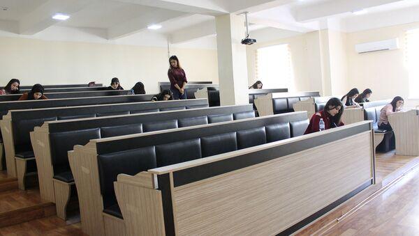ADU-da payız semestrinin imtahan sessiyası ilə bağlı mediatur keçirilib - Sputnik Azərbaycan
