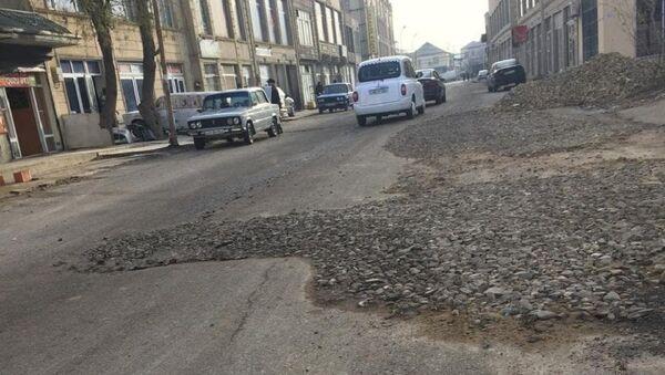 Состояние дорог города Хырдалан - Sputnik Азербайджан