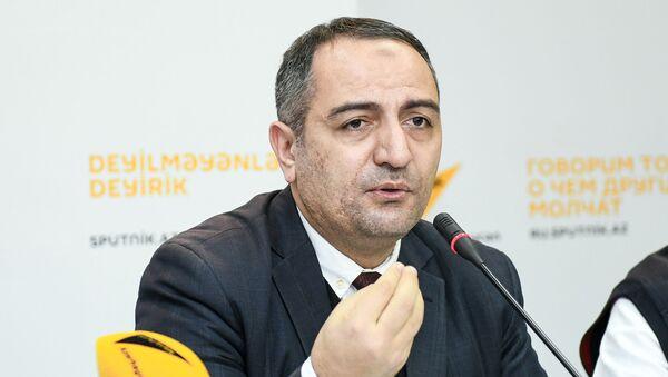 Председатель Общественного объединения Изучение экономических ресурсов Руслан Атакишиев - Sputnik Azərbaycan