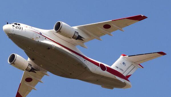 Самолет Kawasaki XC-2 сил самообороны Японии - Sputnik Азербайджан