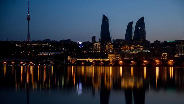 Вид на небоскребы с набережной в Баку - Sputnik Азербайджан