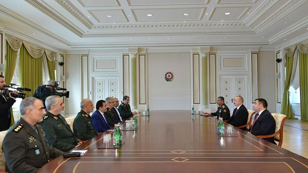 Президент Азербайджана Ильхам Алиев принял делегацию во главе с начальником Генерального штаба вооруженных сил Исламской Республики Иран Мохаммадом Багери - Sputnik Азербайджан