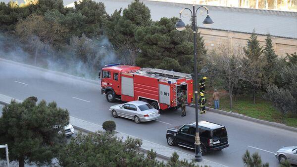 Возгорание на проспекте Метбуат в Баку - Sputnik Азербайджан
