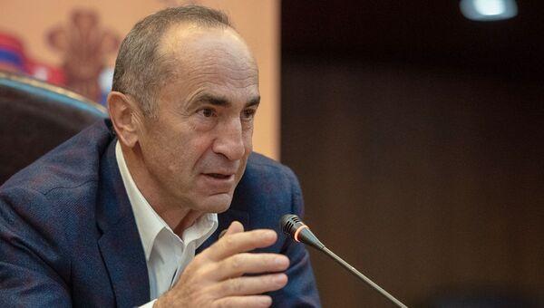 Ermənistanın sabiq prezidenti Robert Koçaryan - Sputnik Azərbaycan