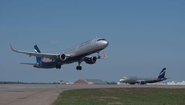 Самолет Airbus A321 авиакомпании Аэрофлот - Sputnik Азербайджан