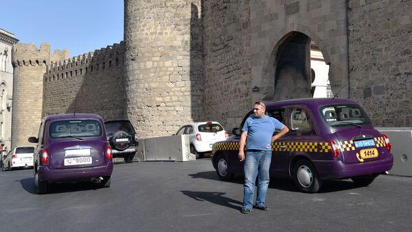 Лондонское такси в Баку - Sputnik Азербайджан