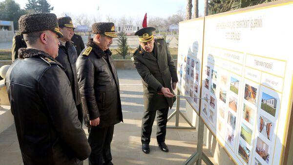 Министр обороны Азербайджана Закир Гасанов принял участие в открытии новых военных объектов - Sputnik Азербайджан