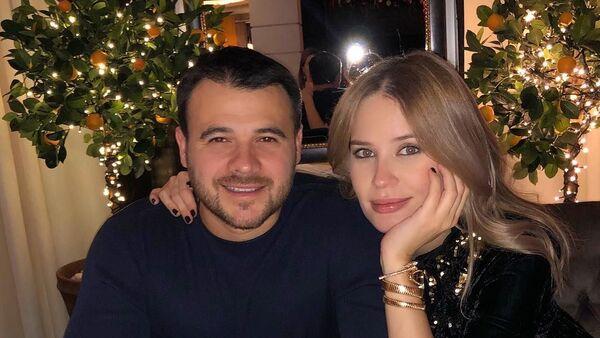 Эмин с супругой Аленой Гавриловой - Sputnik Azərbaycan