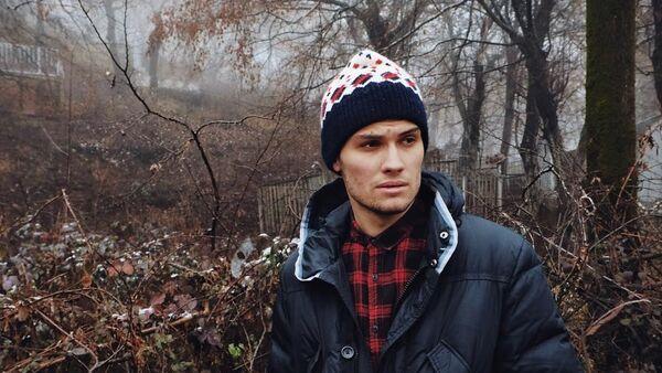Молодой российский блогер Артем Иванов - Sputnik Азербайджан