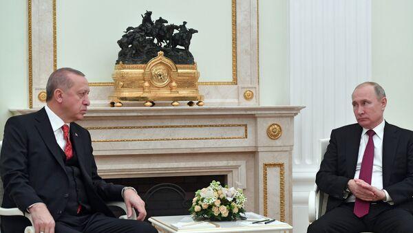 Президент РФ Владимир Путин и президент Турции Реджеп Тайип Эрдоган во время встречи - Sputnik Azərbaycan