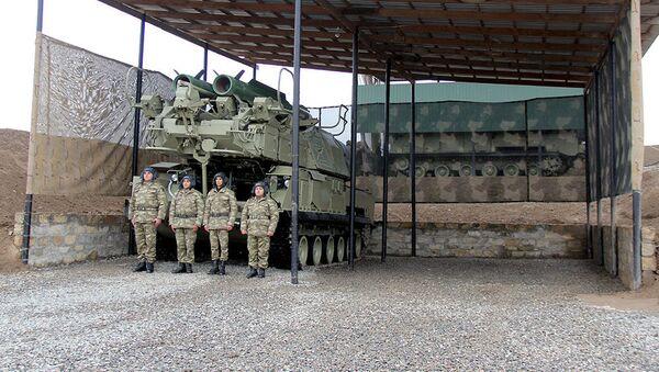 Сданы в эксплуатацию новые жилищные комплексы в воинских частях ВВС дислоцированных в прифронтовой зон - Sputnik Азербайджан