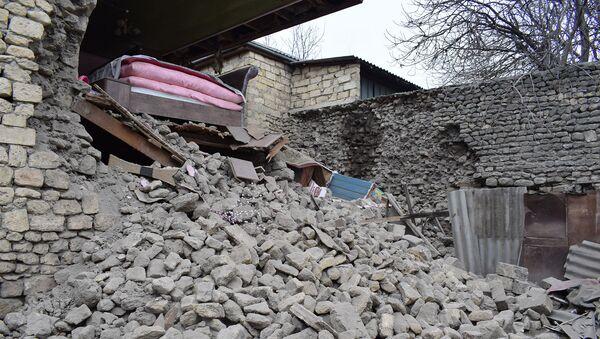 Последствия землетрясения в Шамахе - Sputnik Азербайджан