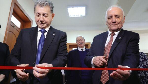 Tarix İnstitutunun ilk elektron oxu zalı necə görünür - Sputnik Azərbaycan