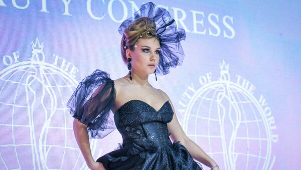 Чемпионат мира по свадебной прическе и макияжу и международный конкурс Dress of the World в Баку - Sputnik Азербайджан