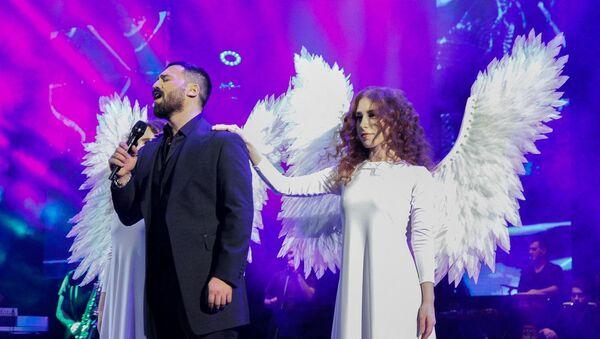 Известный азербайджанский исполнитель Замик Гусейнов  - Sputnik Азербайджан