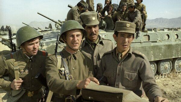 Советские и афганские воины - Sputnik Азербайджан