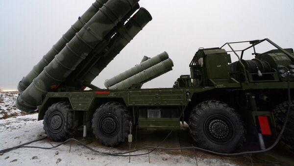 Rusiyaya məxsus S-400 zenit-raket kompleksləri - Sputnik Azərbaycan