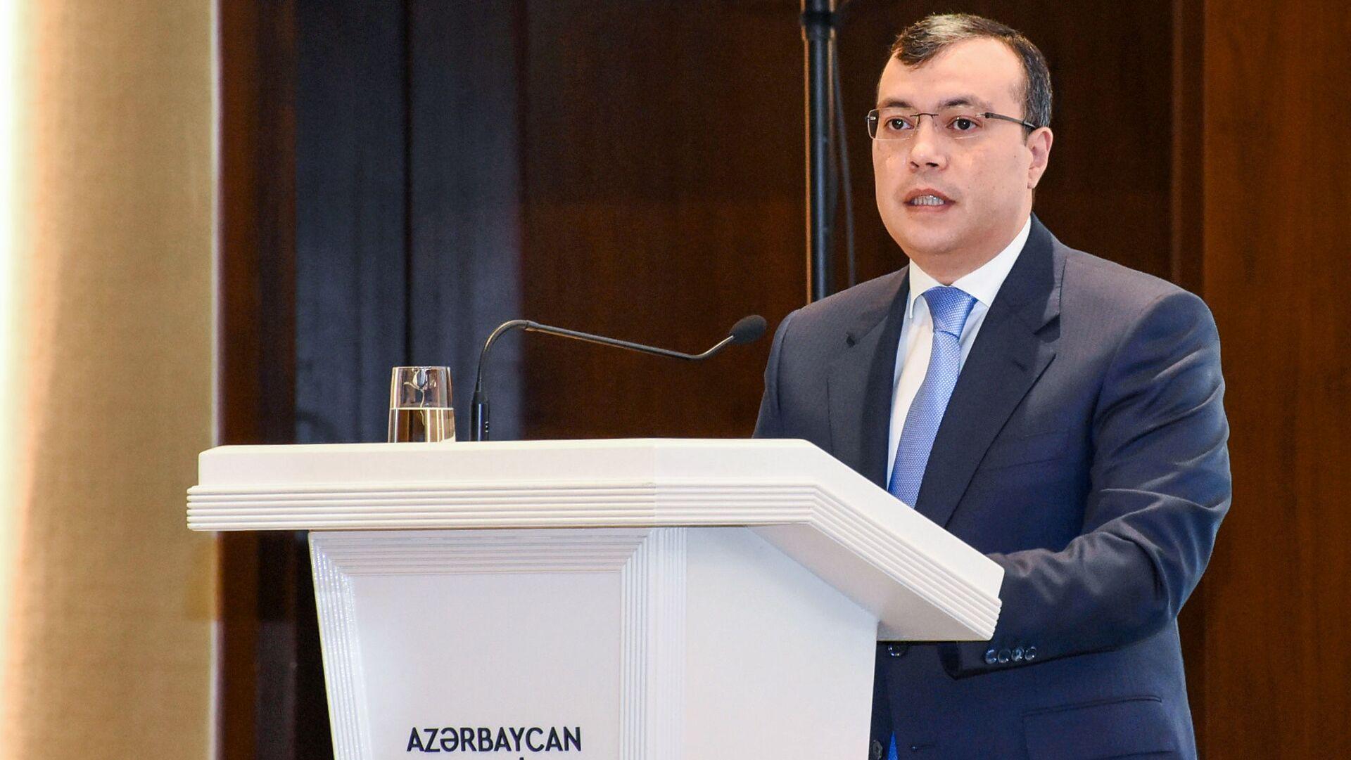 Сахиль Бабаев — Министр труда и социальной защиты населения Азербайджанской Республики - Sputnik Азербайджан, 1920, 02.09.2021