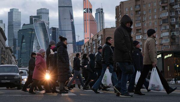 Пешеходный переход на Большой Дорогомиловской улице в Москве - Sputnik Азербайджан