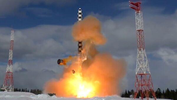 Запуск ракеты Сармат с космодрома Плесецк - Sputnik Azərbaycan