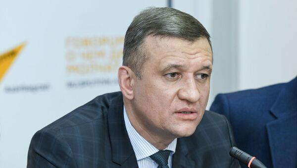 Савельев Дмитрий Иванович - первый заместитель председателя комитета Госдумы РФ по безопасности и противодействию коррупции - Sputnik Azərbaycan
