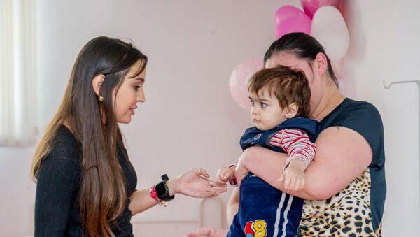 Вице-президент Фонда Гейдара Алиева Лейла Алиева посетила НИИ гематологии и трансфузиологии в Баку  - Sputnik Азербайджан