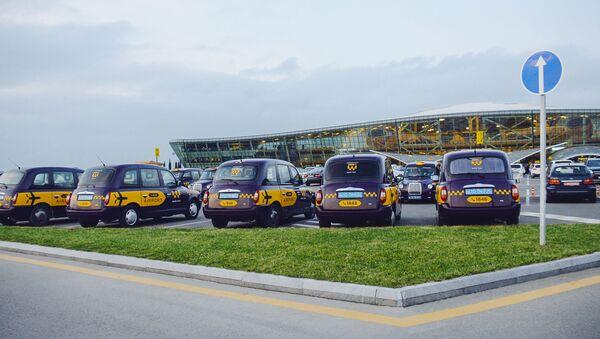Машины ООО Bakı Taksi Xidməti - Sputnik Азербайджан