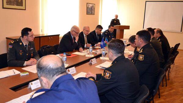 Состоялась рабочая встреча с экспертами НАТО в области образования - Sputnik Азербайджан